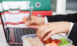 4 bí quyết giúp dân văn phòng giảm cân thành công