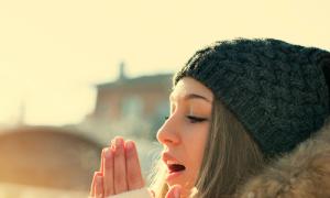 Cách giữ ấm trong thời tiết lạnh giá
