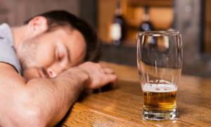 Điều gì xảy ra khi bạn uống hơn 8 ly bia mỗi tuần