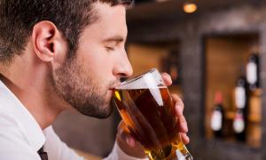 Uống bia điều độ tốt cho sức khỏe như thế nào