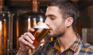 Cách đơn giản giúp phái mạnh giảm ham muốn uống rượu bia
