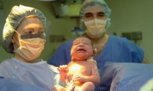Em bé lớn lên trong bụng mẹ thế nào