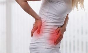 Tại sao sỏi thận gây đau đớn