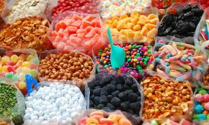 Thực phẩm Tết nhiều màu sắc có thể độc hại