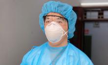 Bác sĩ 'gác cửa' sàng lọc hàng nghìn người nghi nhiễm