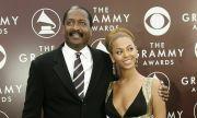 Cha của Beyonce' khuyên đàn ông lưu ý ung thư vú