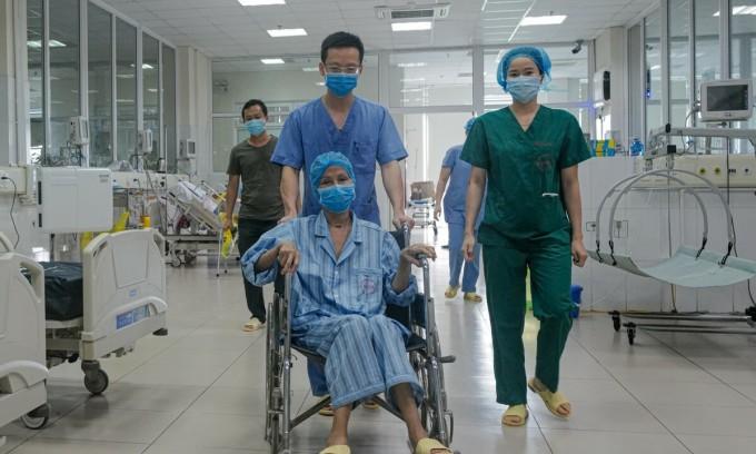 Bệnh nhân nặng nhất miền Bắc khỏi Covid-19