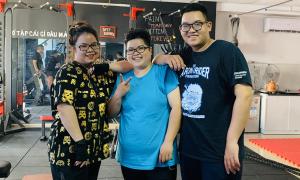 Ba chị em nặng 100 kg nỗ lực giảm cân