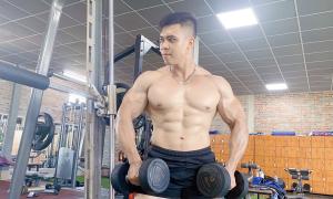 Chàng béo lột xác sau hai năm tập thể hình