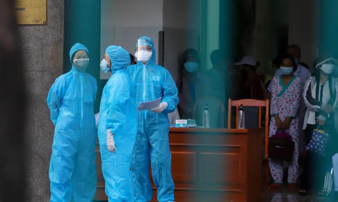 Hai bệnh nhân Covid-19 tử vong ở tuổi 33 và 47