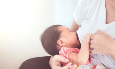 Sữa mẹ và tăng cường sữa mẹ