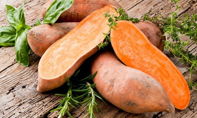 Tại sao ăn khoai lang tốt hơn khoai tây?