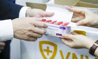 AstraZeneca bàn giao gần 288.000 liều vaccine Covid-19 cho VNVC