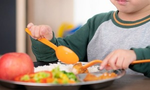 Ăn uống giúp trẻ tăng đề kháng chống nCoV