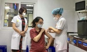 200 bà bầu Hà Nội tiêm vaccine Covid-19