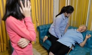 6 sai lầm nguy hiểm khi sơ cứu người bệnh động kinh