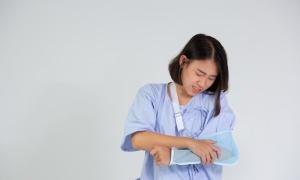 Cách sơ cứu tại nhà khi bị té gãy xương