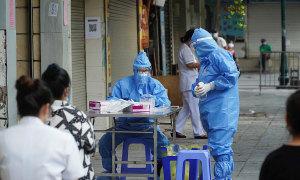 Thêm 2 ca nhiễm, xét nghiệm lần hai 4.000 người viện Việt Đức